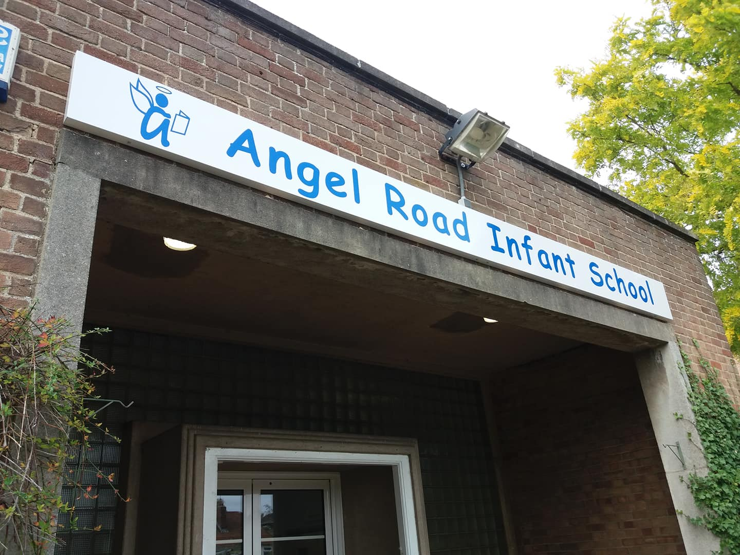 School signs from Monarch Signs